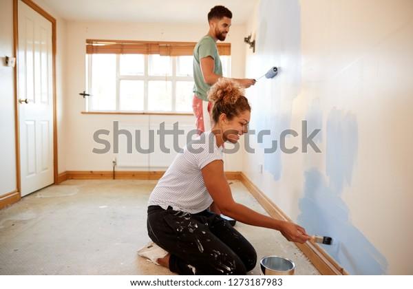 Chambre A Couple Decor Dans Un Photo De Stock Modifier Maintenant 1273187983