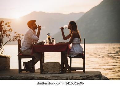 skillnaden mellan att dejta och att ha en relation
