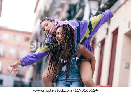 lesbiangirls