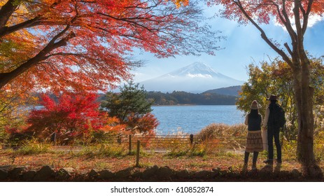 Couple painter look a place for painting Mt.Fuji scenic view