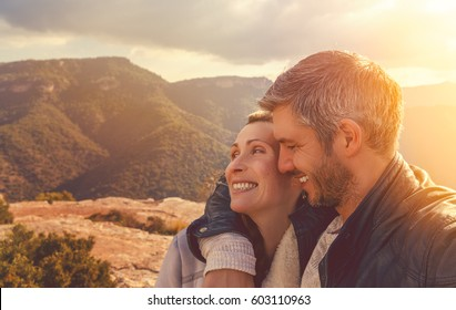 couple in the top of the mountains