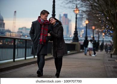oitnb författare dating