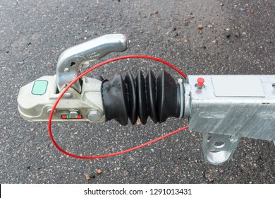 Coupling device of a trailer