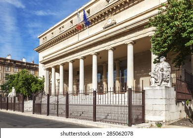 Court of appeal in Aix en Provence with statues, France