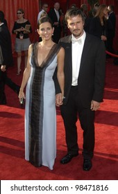 COURTENEY COX & DAVID ARQUETTE at the 55th Annual Primetime Emmy Awards in Los Angeles. Sept 21, 2003  Paul Smith / Featureflash