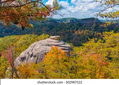 Courthouse Rock at Red River Gorge, Kentucky. Daniel Boone National Forest in Autumn.