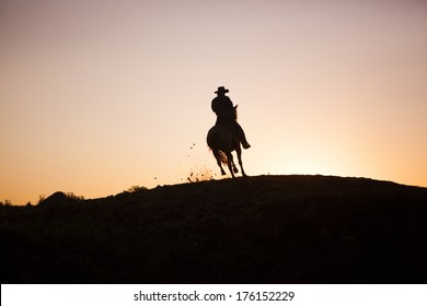 Cowboy in North Dakota, Sunset ride