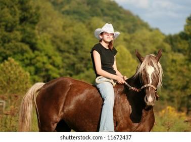 Cowgirls & Mustangs