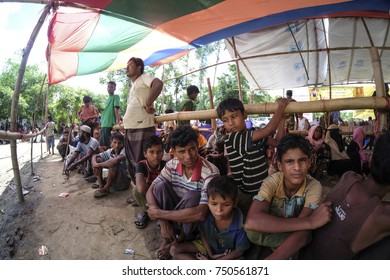 Cox's Bazar, Bangladesh : 11 October 2017 - The sadness in their faces while waiting for the UNHCR registration counter is open to seek refugees from Bangladesh.