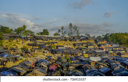 COX'S BAZAR, BANGLADESH: OCTOBER 11, 2017- Crowded! .. views of the huts built and inhabited by Rohingya in the Ukiah area. About 600k ethnic Rohingya escaped to Bangladesh due to cruelty in Myanmar.