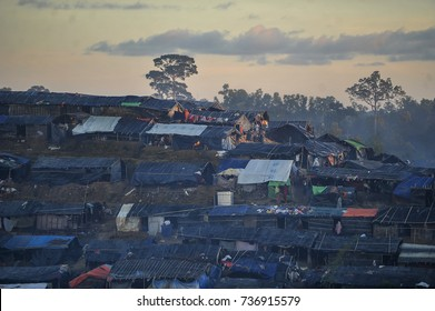 COX'S BAZAR, BANGLADESH: OCTOBER 11, 2017- Quiet and crowded! .. views of the huts built and inhabited by Rohingya in the Ukiah area.