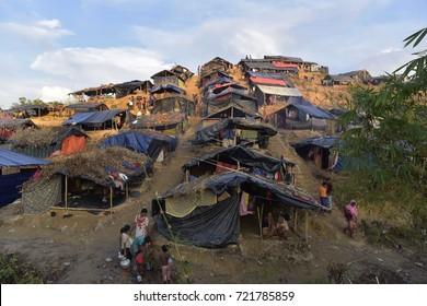 COZ'S BAZAR, BANGLADESH - SEPTEMBER 25, 2017: Myanmar's minority rohingya people build makeshift tent and take shelter at Balukhali rohingya camp, in Ukhiya, Coz's Bazar, Bangladesh on Sep, 25, 2017.