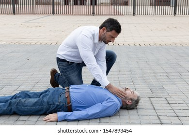 CPR. Phase of checking if the patient is conscious