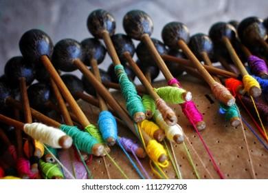 Crafts. Handcrafts. Handmade. Income. Renda de Bilro.