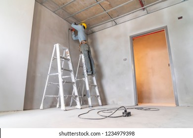 Craftsman  ceiling house construction by electric screwdrivers