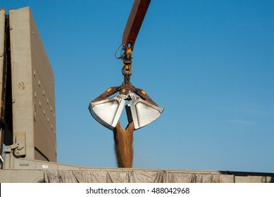 Clamshell Bucket Images, Stock Photos & Vectors | Shutterstock