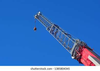 crane lifting construction site hoist equipment