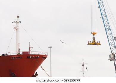 cranes cargo ship