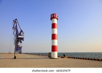Cranes and lighthouses
