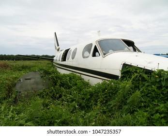 Crashed, destroyed and abandoned aeroplane