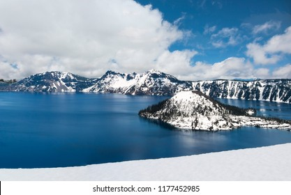 Crater Lake in Oregon, USA