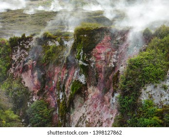 Craters of the Moon, Geothermal Park Volcanic Steam Vents, Sulphur, Colourful Geothermic Rock Formations, Taupo, North Island, New Zealand