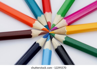 crayons lies in around