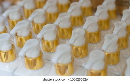 Cream bottle White gold