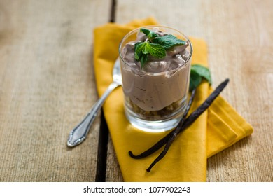 Creamy chocolate dessert