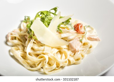 Creamy tagliatelle with cheese