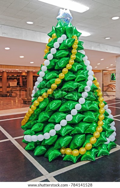creative-christmas-tree-made-inflatable-