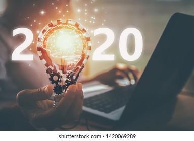 idée créative.Concept d'idée et d'innovation.Nouveau Concept 2020