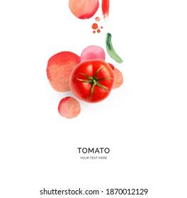 Kreatives Layout aus Tomate mit Aquarellzeichen auf weißem Hintergrund. Flat lay. Lebensmittelkonzept.