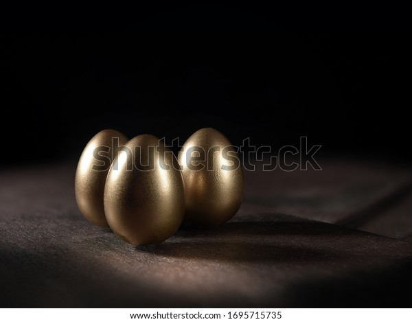 creative-lighting-classic-gold-birds-600