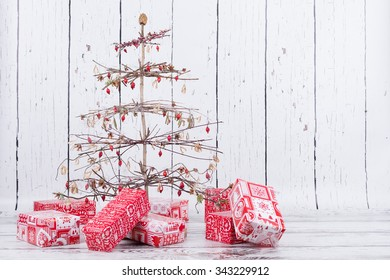 creative natural handmade christmas tree with gifts