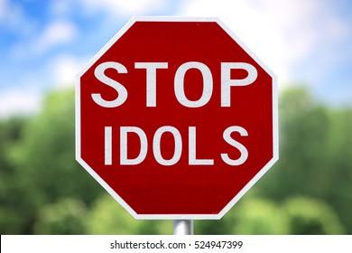 Creative Sign-Stop Idols