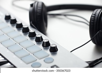 creativity.headphones and beat makers kit. production of electronic music. soft focus