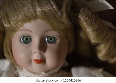 Creepy Old Dolls - Perfect for Halloween!