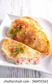 crepe with ham and cheese