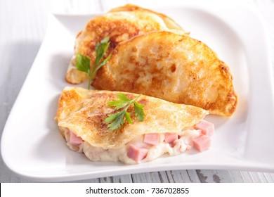 crepe with ham and cream