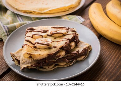 Crepes with banana and cacao cream