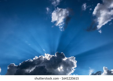 Crepusculalr rays with cumulus clouds
