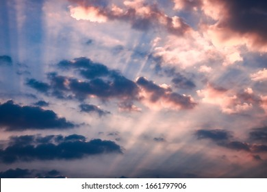 Crepuscular rays in the twilight sun ser