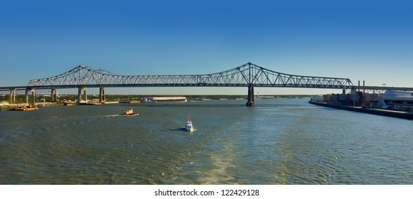 Crescent City Connection Bridge in New Orleans, Louisiana, USA.