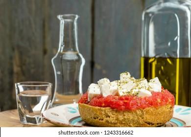 Cretan diet with raki
