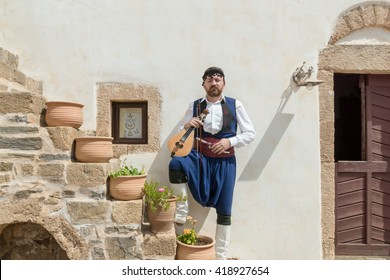 Cretan lyre player