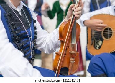 Cretan music dance