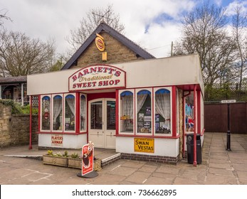 Crich, Matlock, Derbyshire. 5th April 2017, Beautiful vinrage sweet shop at  the Crich tramway museum, Crich, Matlock, Derbyshire, UK