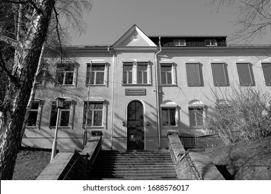 Crimmitschau / Germany - March 2020: The primary school in Frankenhausen, a district of the small Saxon city, in the afternoon sun