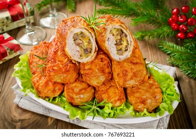 Crisp potato cutlets with meat, mushrooms and cheese. Traditional Russian food Zrazy